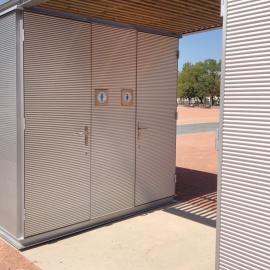 Chiosco WC bagni WC metallo e legno