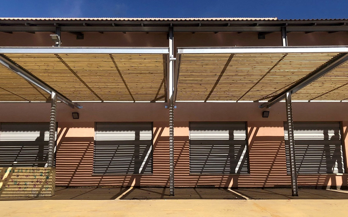 Sustainable Pergola Antaviana Barcelona School