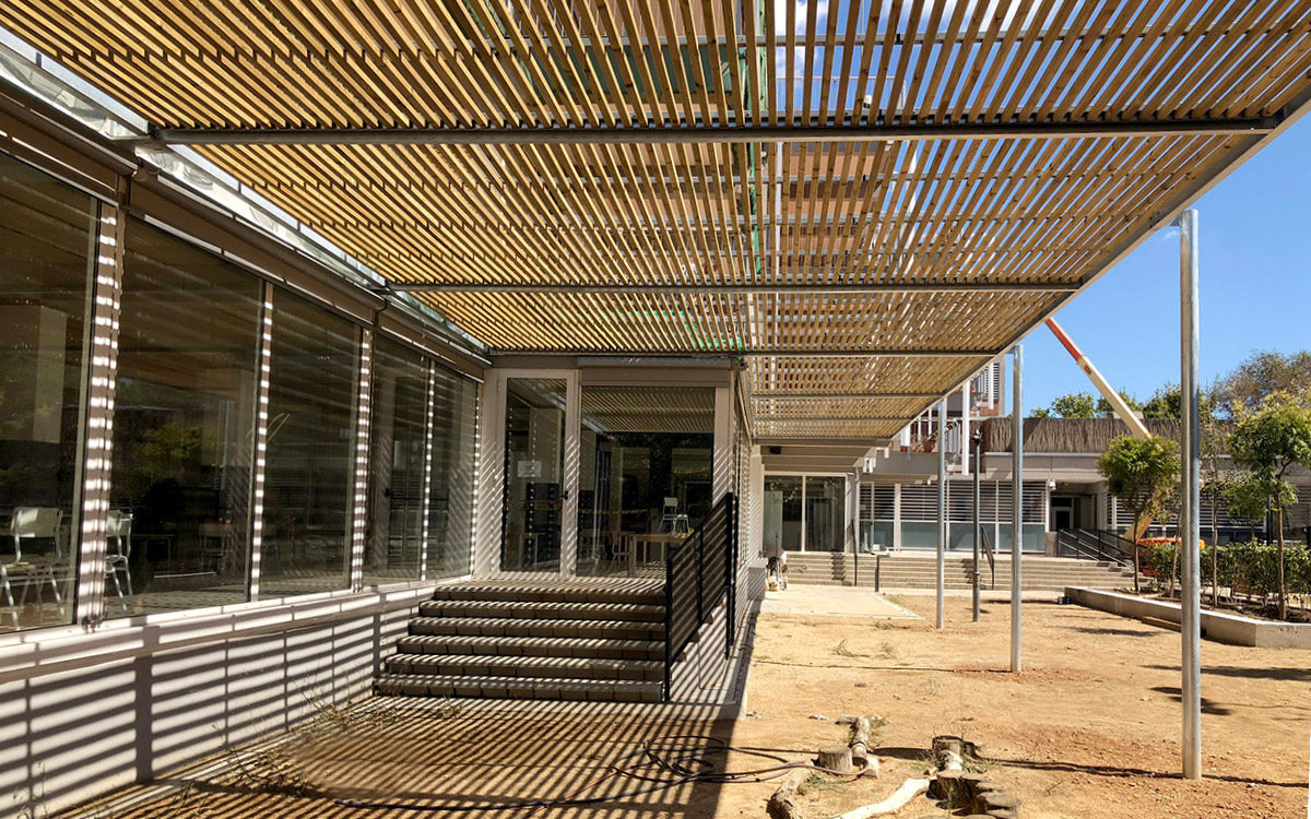 Sustainable Pergola Bioclimatica Poblenou School Barcelona