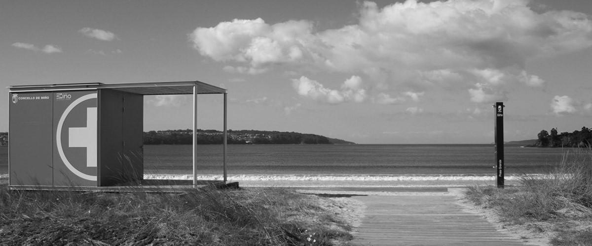 Rescue kiosk for beaches